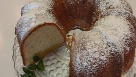 Betty's Festive Black Pepper Pound Cake