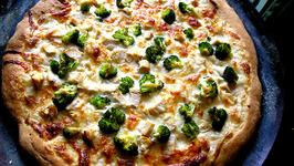 Mushroom Broccoli Pizza