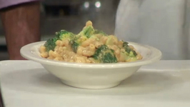 Low-Fat Mac and Cheese with Broccoli