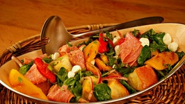 Roasted Pepper Panzanella Salad