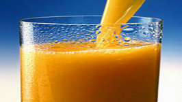 Fresh Vegetable and Fruit Juice with Ginger