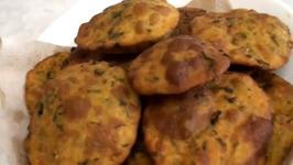 Methi Thepla or Dhebra-Fenugreek Leaves Bread
