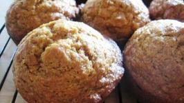 Crunchy Top Applesauce Muffins