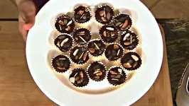 Raw Food Holiday Dessert Chocolate Candy Cups
