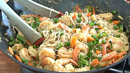 Thai Peanut Shrimp Rice Noodles