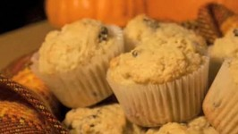 Spicy Pumpkin Muffin with Walnuts