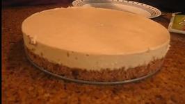 Raw Pecan and Raisin Cheesecake
