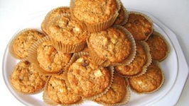 Fresh Apple Muffins