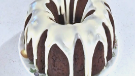 How To Make A Chocolate Chip Bundt Cake With White Chocolate Glaze