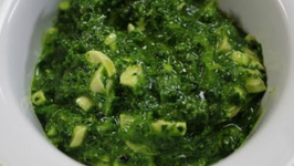 Raw Vegan Kale and Cashewnut Pesto