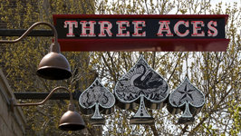 Review of Three Aces, Chicago