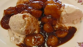 Dramatic and Delicious Bananas Foster