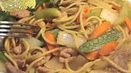 Stir Fried Thin Noodle Pork And Vegetables