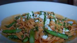Pasta with Asparagus Gremolata