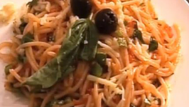 Instant Spaghetti with Spinach and Tomato Sauce