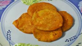 Monsoon Delight - Karare Lauki ke Pakode (Crispy Bottle Gourd Fritters)