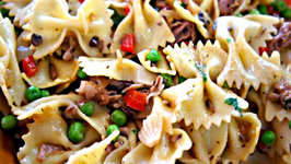 How to Make Pasta with Prosciutto and Vegetables