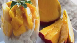 Coconut Rice Pudding with Mango