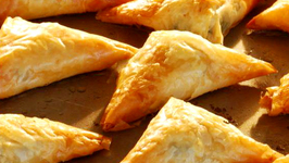 Spanakopita (Greek Spinach Appetizer)