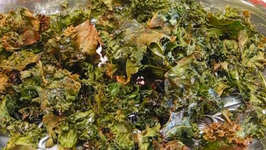 Betty's Trendy Baked Kale Chips