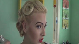 Hair Tutorial: 3 Pin Curl Pin Up