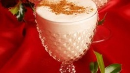 Healthy Vegan Holiday Eggnog