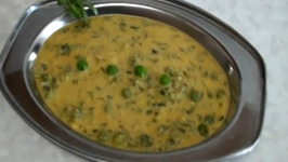 Methi Matar Malai (Fenugreek Leaves & Green Peas in Creamy Sauce)