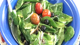 Spinach, Blueberry and Walnut Salad