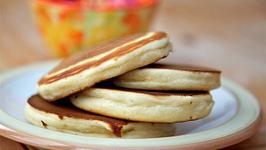 Soft Buttermilk Pancakes