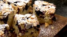 How To Make Blueberry & Almond Traybake