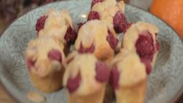 SPLENDA Nadia Sawalha's Raspberry Friands