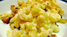Bacon Topped Macaroni and Cheese