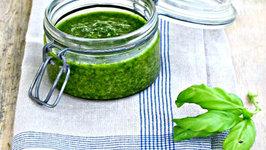 Amazing Raw Basil Pesto Sauce