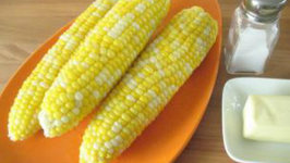 Herbed Corn on the Cob in the Microwave