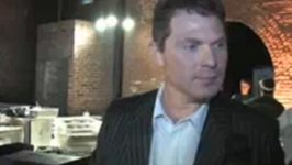 Bobby Flay Interview At Rachael Ray'S Burger Bash