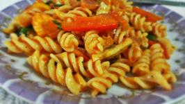 Vibrant Veg Pasta in Tomato Sauce