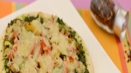 Bellpepper, Zucchini and Pesto Pizza by Tarla Dalal