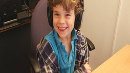 Eight Year old Plays League of Legends and Gives Pro Tips to Improve your Game