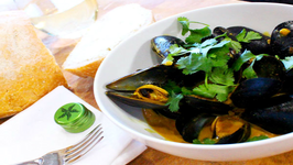 Coconut Curry Lime Braised Mussels