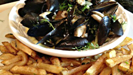 French Bistro Style Moules Frites