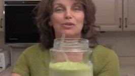 Lan's Spinach Pineapple Green Smoothie