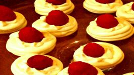 How to make Pavlovas (Mini Meringue cookies)