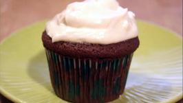 Irish Cream Cupcakes: Cupcake Show 19