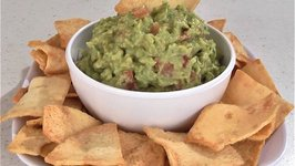 Guacamole with Avocado and Tomato