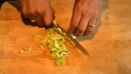 How to Shred a Leek