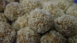 Raw Vegan Date Chocolate Balls