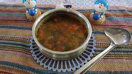 Low-Calorie, Low-Fat, Low-Sodium Drumstick Leaves Sambar