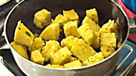 Famous Gujarati Instant Snack - Khaman Dhokla