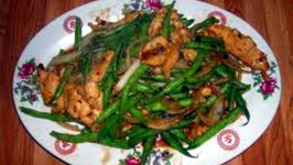 Wegmans Sesame Chicken with Lo Mein and Green Beans