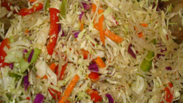 Raw Kelp Noodles Salad with Asian dressing